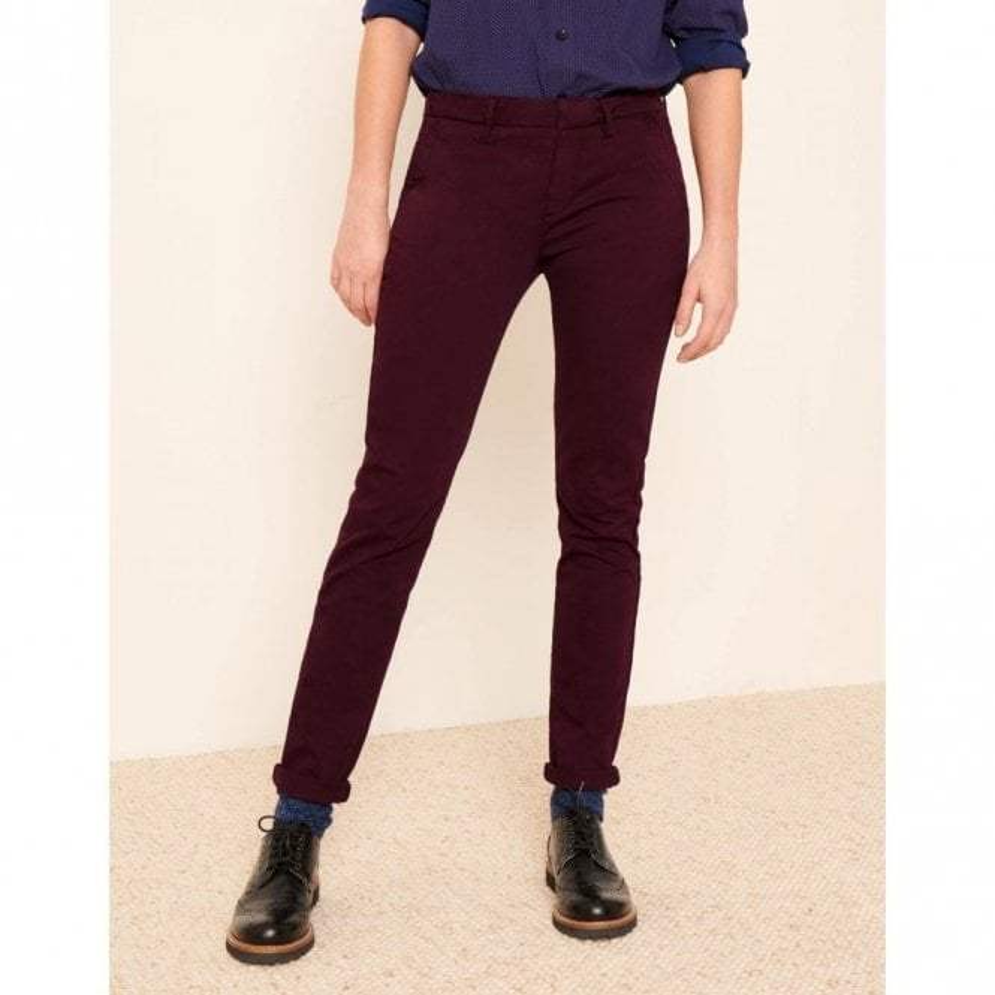 Reiko Sandy Basic Chino Trousers in Lie de Vin